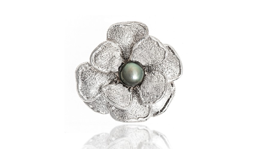 Bn image tahitian pearl flower   cropped